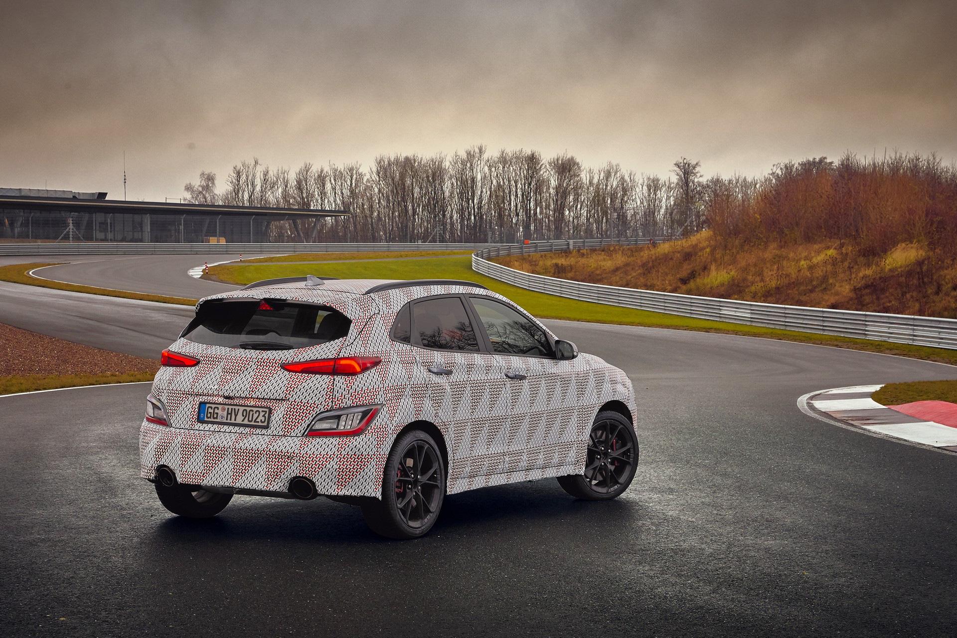 Hyundai lại nhá hàng Kona N, xác nhận động cơ và hộp số sử dụng-1