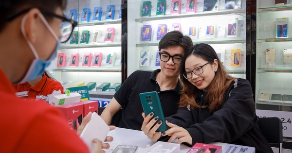 Vsmart - Thương hiệu điện thoại Việt xuất sắc nhất Tech Awards 2020