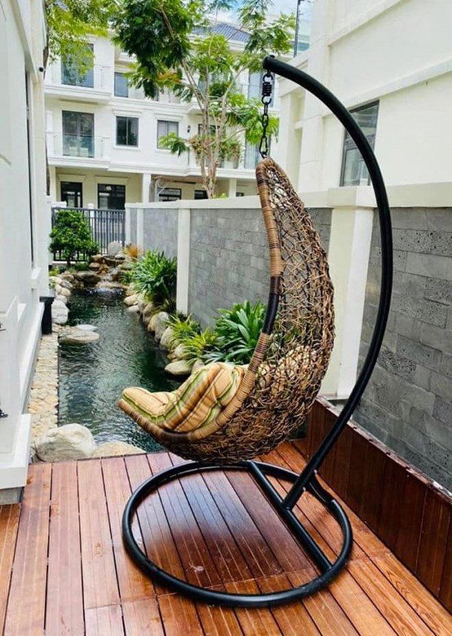 Cơ ngơi của MC Vân Hugo: 1 căn hộ cao cấp ở Hà Nội, 1 biệt thự trắng ở Sài Gòn, nhìn đâu cũng mê-15