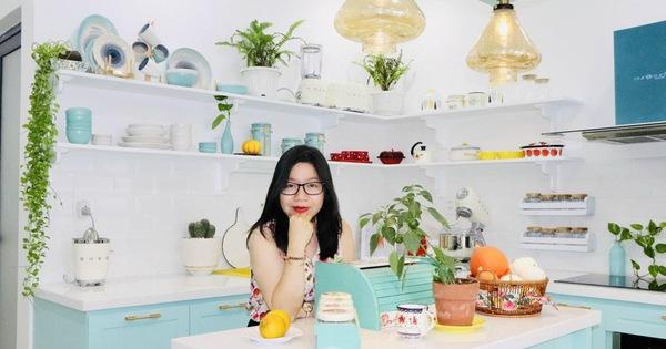 Căn bếp nhỏ màu xanh trắng đẹp an yên và cực tiện ích của mẹ 3 con ở Nha Trang