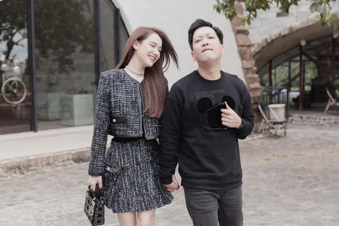 Nhã Phương khoe ảnh dẫn Trường Giang về quê, ai dè lại nhờ netizen xóa hộ ông xã và nhận cái kết ngã ngửa-2