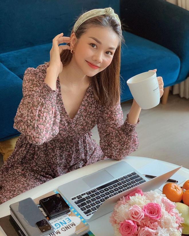 Ngắm nơi làm việc sang xịn của sao Việt: Minh Hằng, Hoàng Thuỳ Linh có phòng đẹp mê, riêng Ngọc Trinh bình dân bất ngờ-5