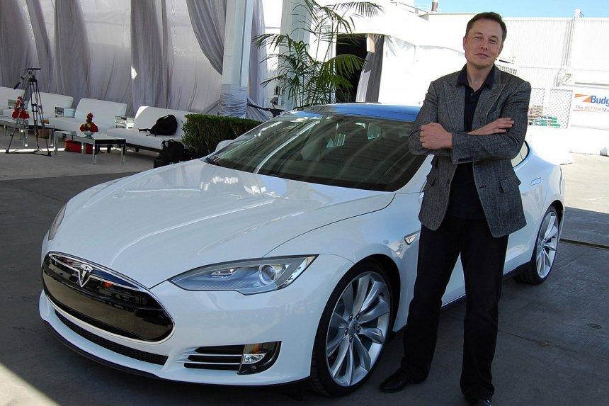 Telsa đã giúp Elon Musk trở thành người giàu nhất thế giới như thế nào?