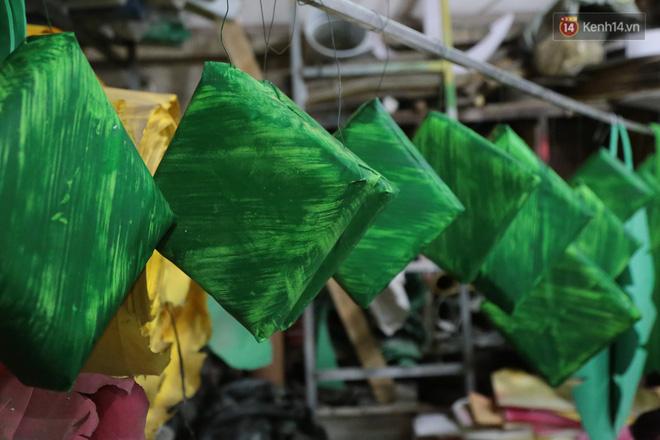 Ảnh: Cận cảnh đàn trâu đồng quê Việt Nam chuẩn bị ra đường hoa Nguyễn Huệ đón Tết Tân Sửu 2021-17