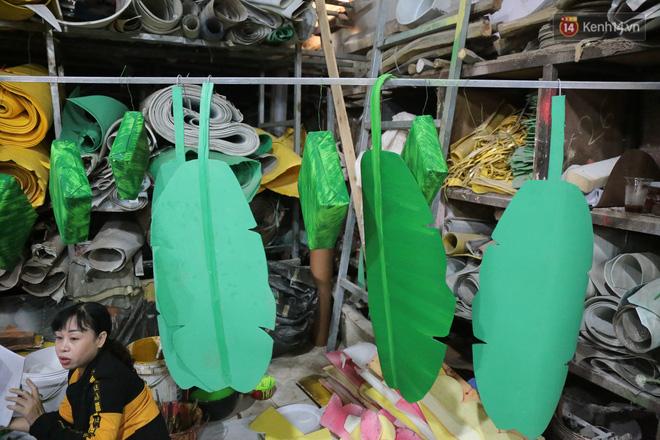 Ảnh: Cận cảnh đàn trâu đồng quê Việt Nam chuẩn bị ra đường hoa Nguyễn Huệ đón Tết Tân Sửu 2021-16