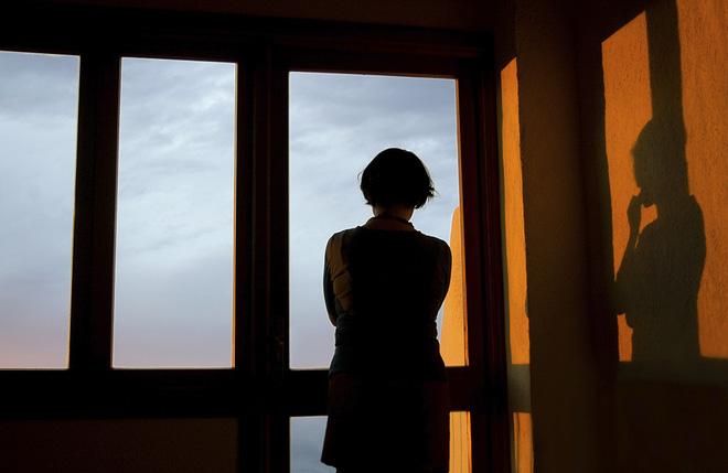 Bệnh trầm cảm - sát thủ ẩn mình rình rập phụ nữ: Bị chồng cho là giả bệnh, con cái không muốn sống chung, nhiều người cay đắng tìm đến cái chết-1