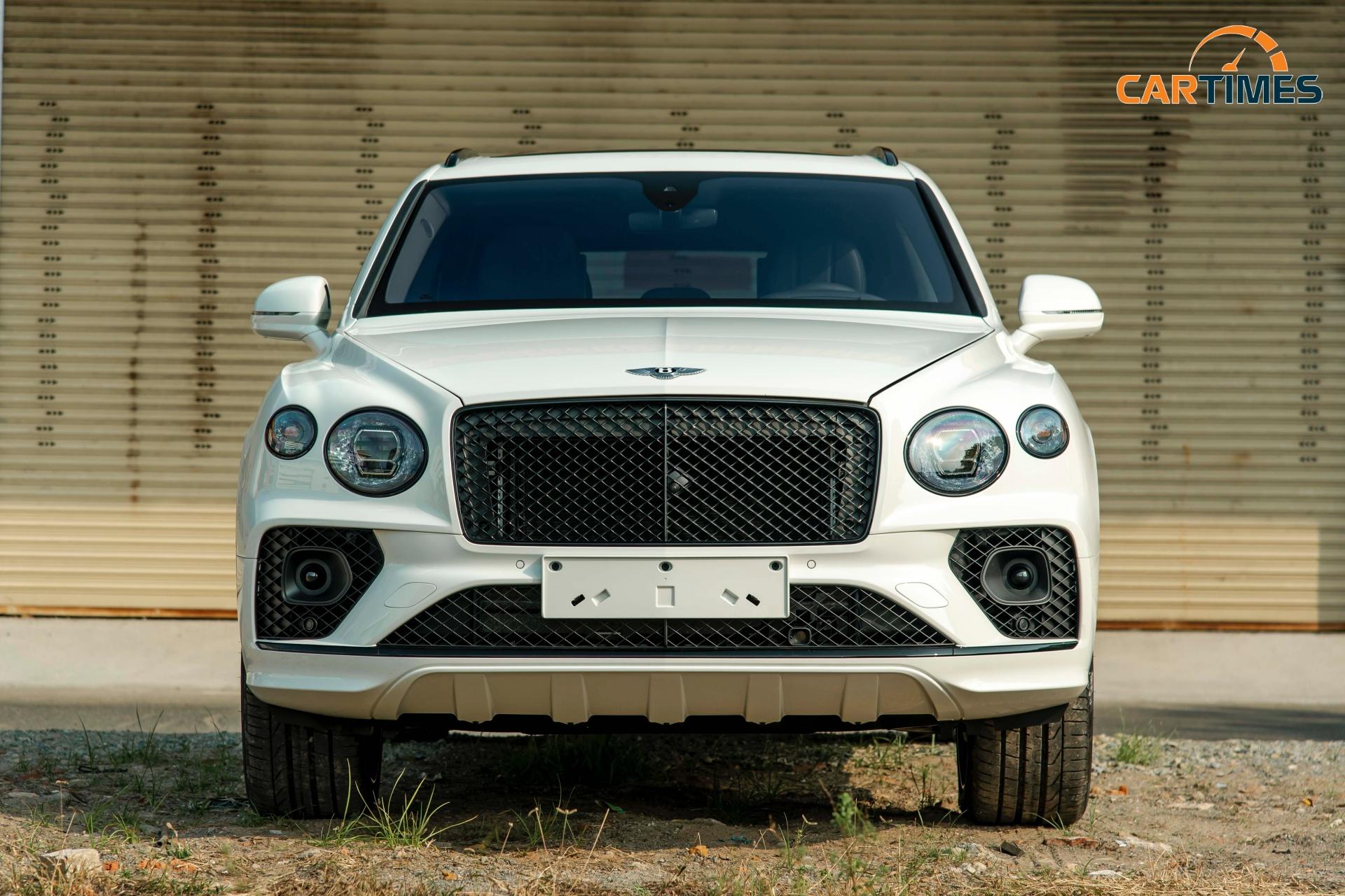 Bentley Bentayga 2021 First Edition cập bến thị trường Việt Nam, giá hơn 19 tỷ đồng -1