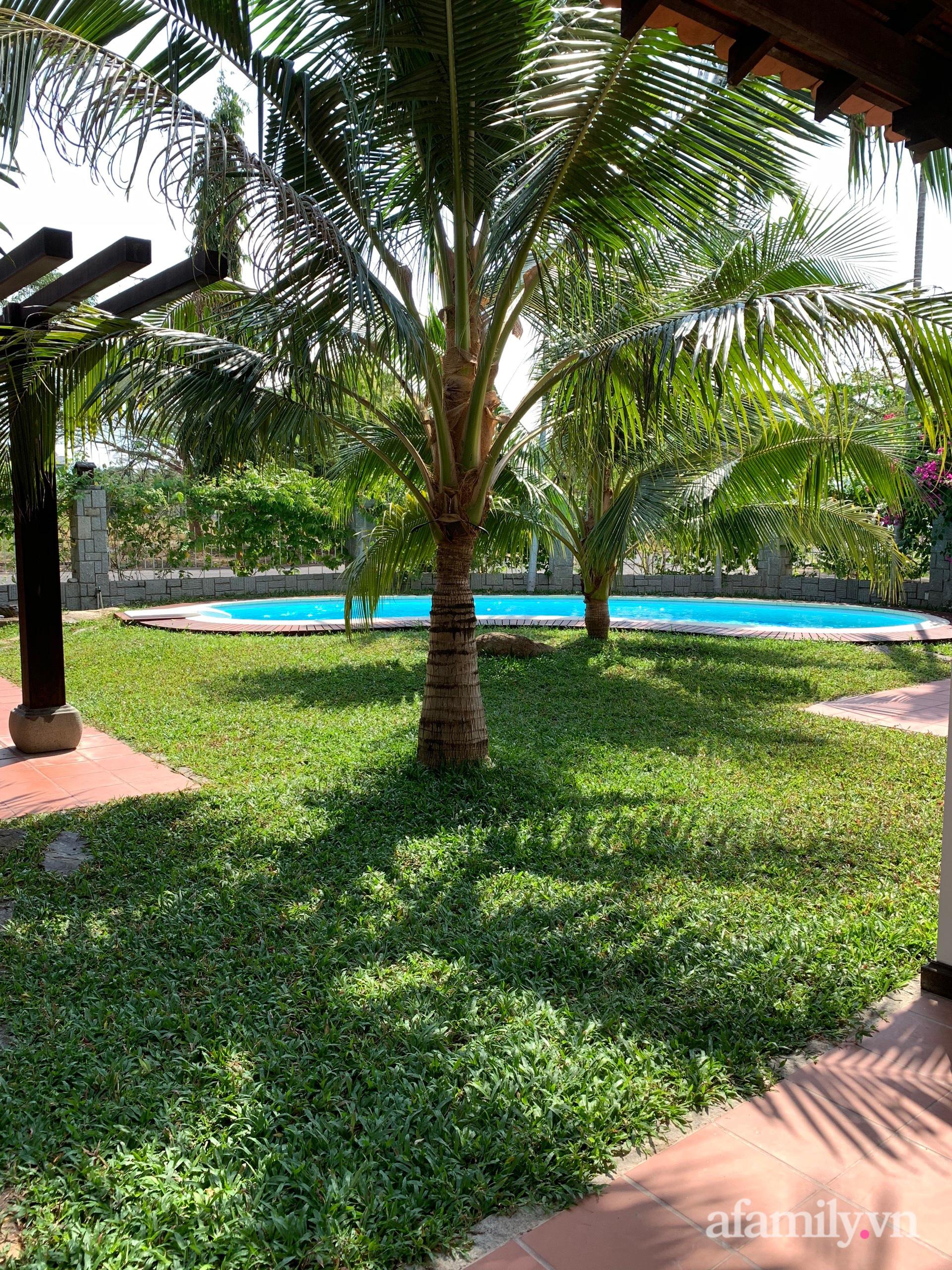 Căn nhà vườn xây 10 năm vẫn đẹp hút mắt với nội thất gỗ và cây xanh quanh nhà ở Nha Trang-30