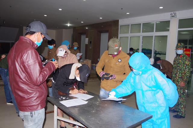 Tiếp nhận, cách ly 67 công dân trở về từ Lào-1