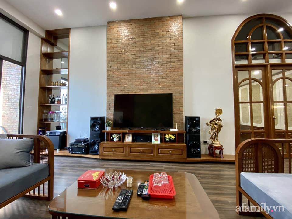Căn hộ 85m² màu gỗ ấm cúng kết hợp khéo léo phong cách hiện đại và hoài cổ của con trai mua cho bố mẹ ở Hà Nội-5