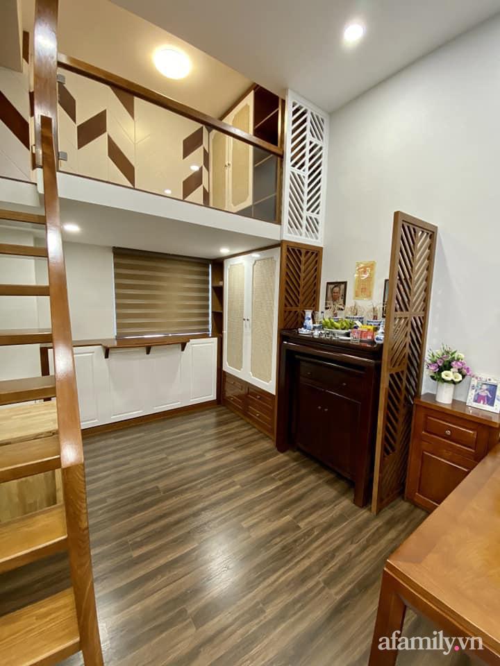 Căn hộ 85m² màu gỗ ấm cúng kết hợp khéo léo phong cách hiện đại và hoài cổ của con trai mua cho bố mẹ ở Hà Nội-15