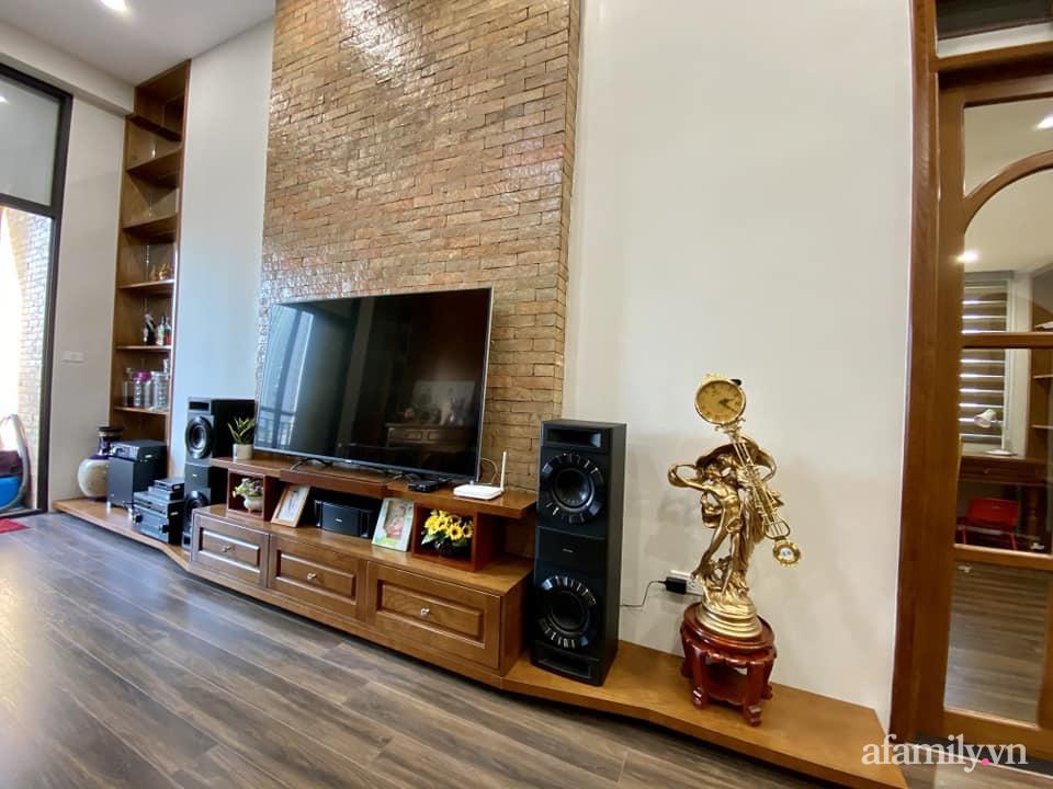 Căn hộ 85m² màu gỗ ấm cúng kết hợp khéo léo phong cách hiện đại và hoài cổ của con trai mua cho bố mẹ ở Hà Nội-6