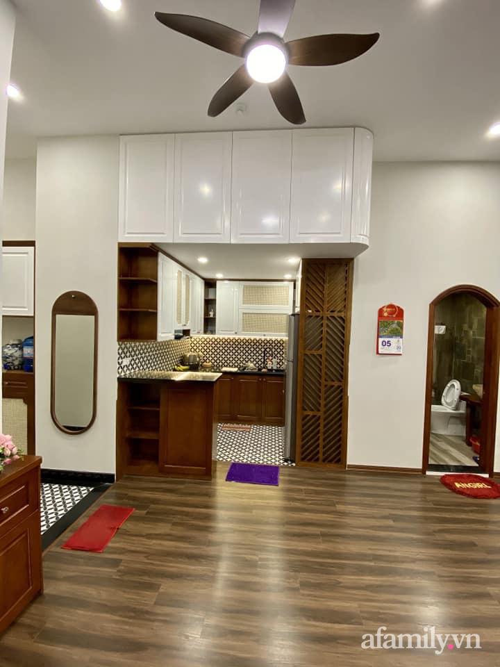 Căn hộ 85m² màu gỗ ấm cúng kết hợp khéo léo phong cách hiện đại và hoài cổ của con trai mua cho bố mẹ ở Hà Nội-14