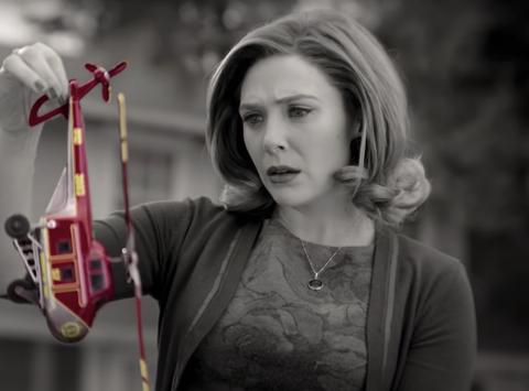 WandaVision: Chị đại phù thủy Marvel chơi đùa thả ga với chồng quá cố vừa hài hước vừa rợn cả gáy!-4