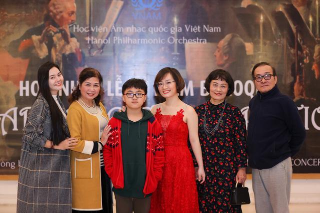 Nghệ sĩ Đào Thu Lê – Nguyễn Hoàng Phương mất 2 tiếng cho tiết mục 15 phút trên sân khấu-2