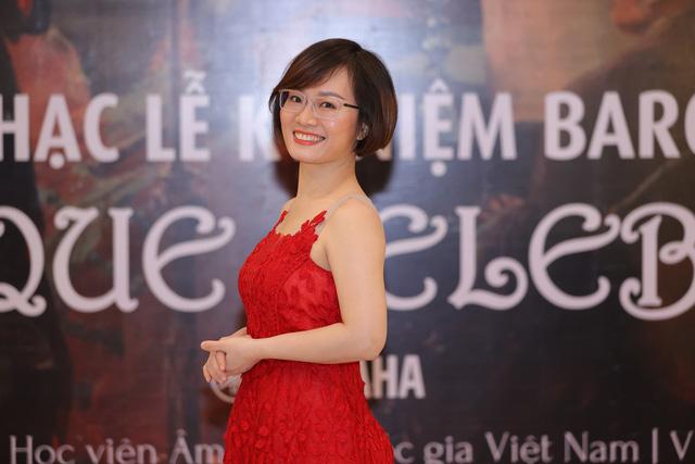 Nghệ sĩ Đào Thu Lê – Nguyễn Hoàng Phương mất 2 tiếng cho tiết mục 15 phút trên sân khấu-1