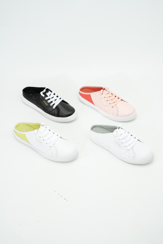 Tết này sắm ngay 5 mẫu sneakers trendy sau để mix kiểu gì cũng ổn, tiện học luôn cách thả thính cực hot bằng dây giày-2
