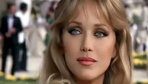 """Nữ diễn viên phim """"Những thiên thần của Charlie"""" chết vì nhiễm trùng đường tiết niệu, phụ nữ nên cảnh giác với 8 triệu chứng này"""