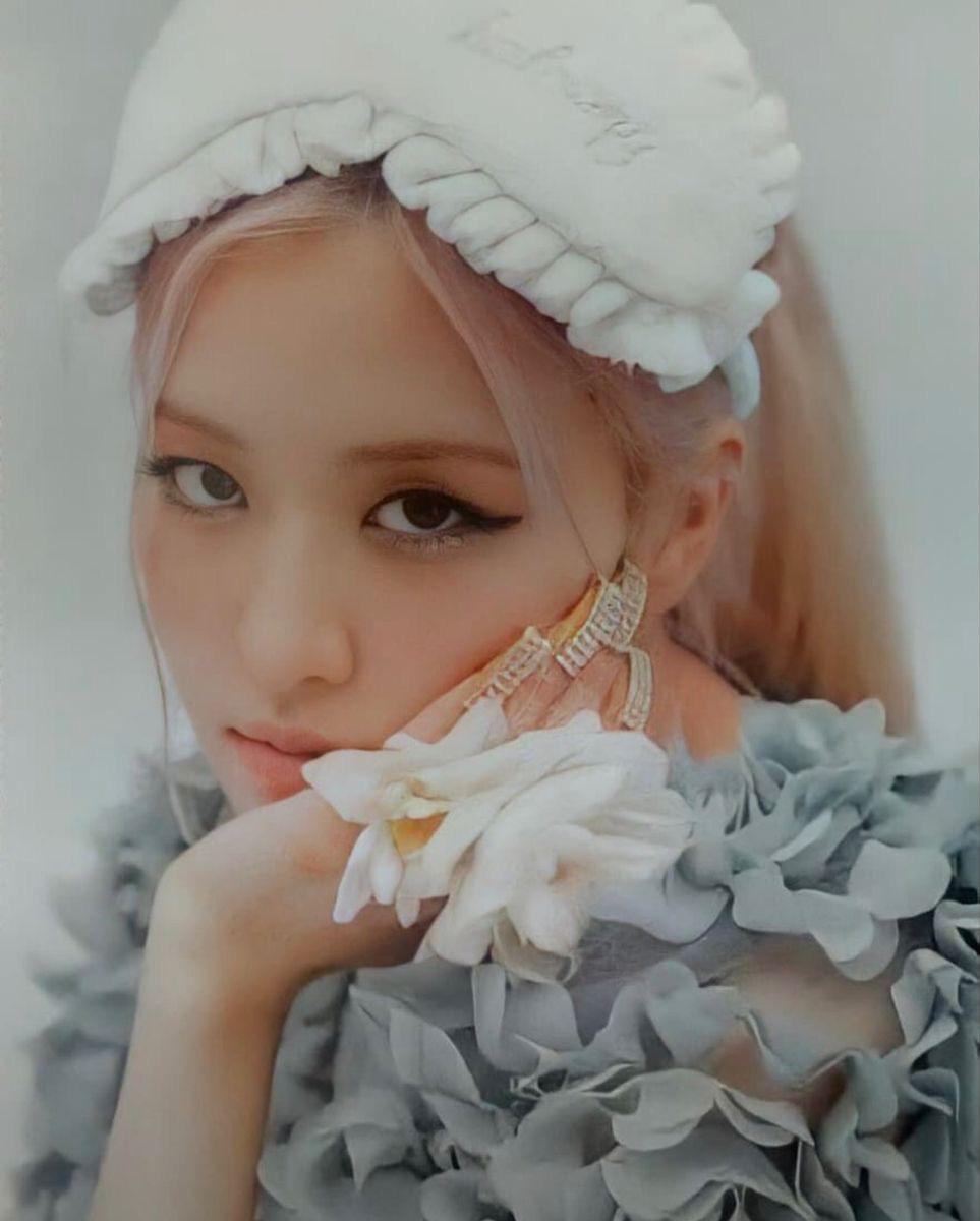 30 nữ idol Kpop hot nhất: Jennie (BLACKPINK) chưa bất ngờ bằng em út Oh My Girl đánh bật cả TWICE - MAMAMOO-7