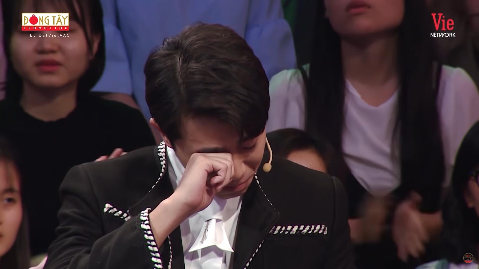 Hoa hậu Khánh Vân bật khóc: Ba tôi phải bươn chải, kiếm từng đồng một-4
