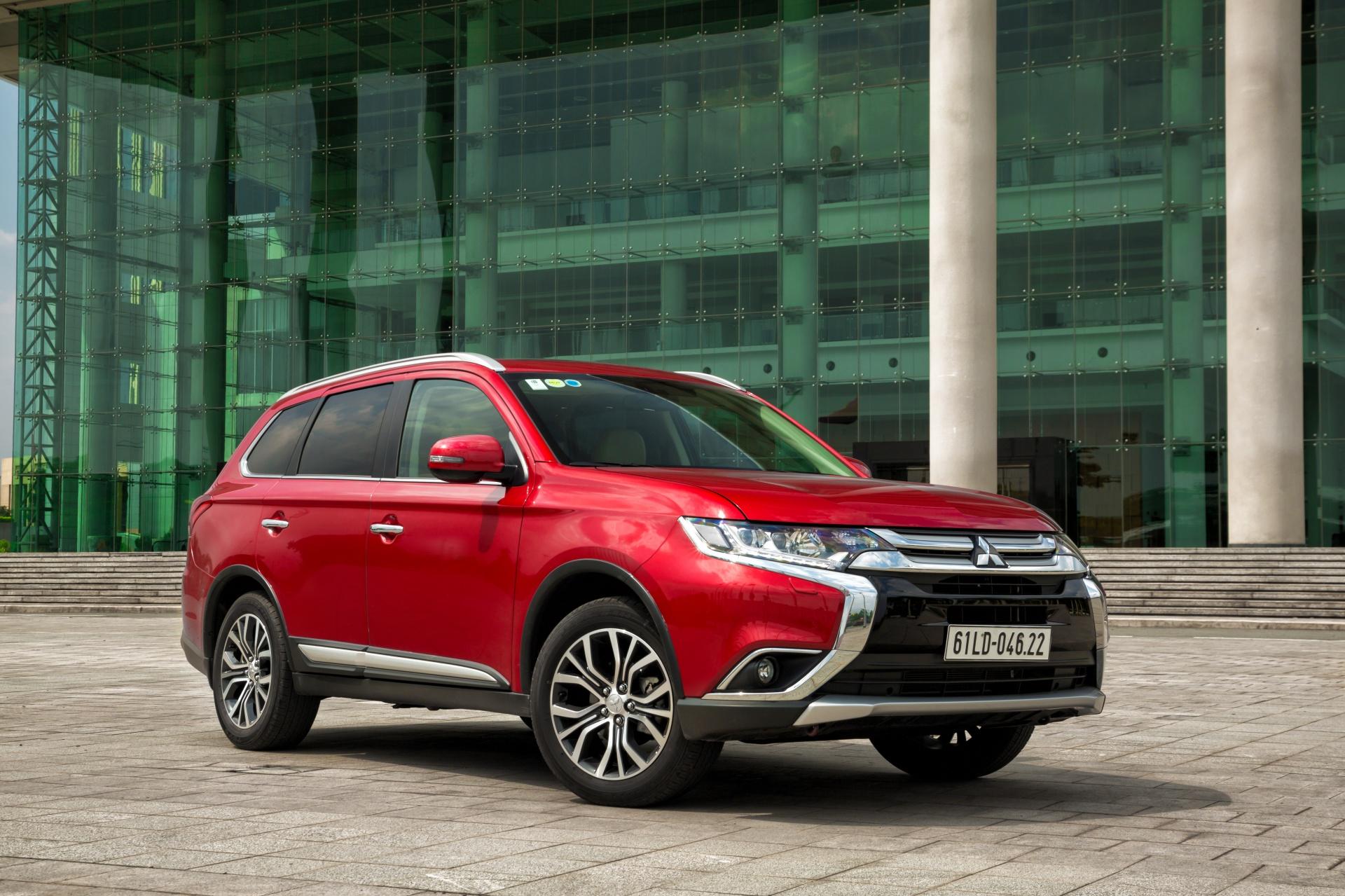 Cặp đôi ăn khách của Mitsubishi tại Việt Nam bị triệu hồi do lỗi bơm xăng
