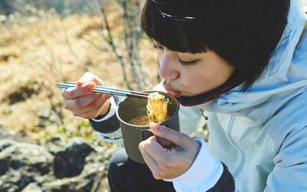 Ăn mãi vẫn cứ thấy đói thì đó là tín hiệu sớm của 5 vấn đề có thể sinh bệnh, béo phì, chị em không thể xem thường-1