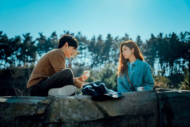 Run On của thánh đơ Shin Se Kyung: Viên ngọc thô không đáng bị quên lãng, nhân vật nào cũng điên mà dễ thương đến lạ-11