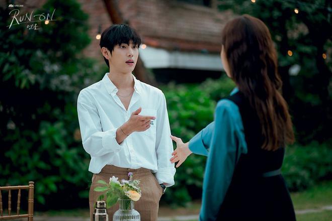 Run On của thánh đơ Shin Se Kyung: Viên ngọc thô không đáng bị quên lãng, nhân vật nào cũng điên mà dễ thương đến lạ-10