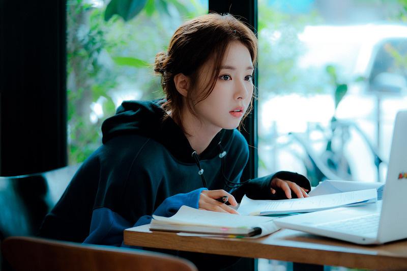 Run On của thánh đơ Shin Se Kyung: Viên ngọc thô không đáng bị quên lãng, nhân vật nào cũng điên mà dễ thương đến lạ-9