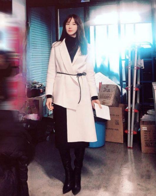 Nàng công sở ngoài 30 học lỏm được 4 điều thầm kín từ phong cách của 2 chị vợ cao tay chuyên trị tiểu tam trong phim Hàn-8