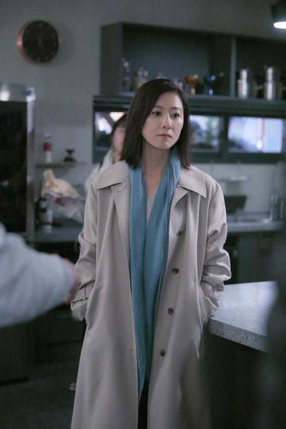 Nàng công sở ngoài 30 học lỏm được 4 điều thầm kín từ phong cách của 2 chị vợ cao tay chuyên trị tiểu tam trong phim Hàn-18