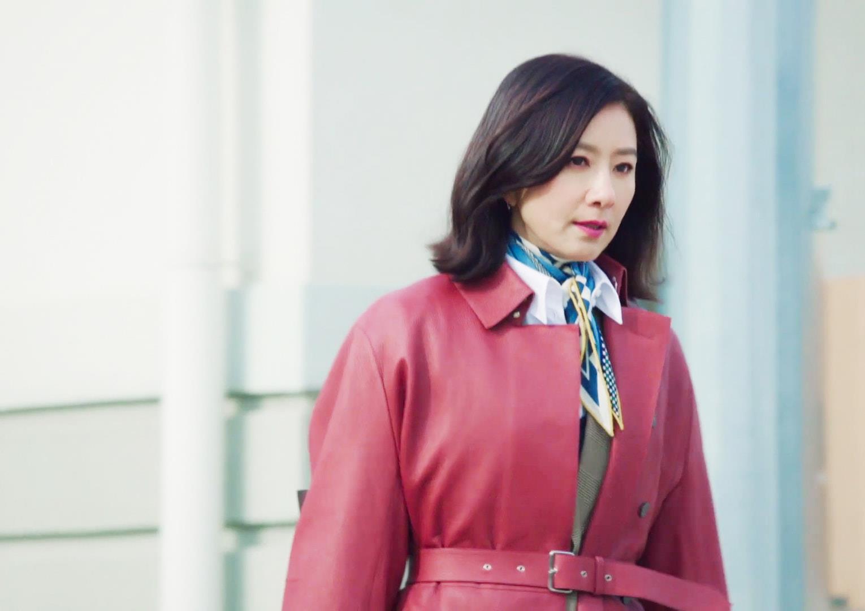 Nàng công sở ngoài 30 học lỏm được 4 điều thầm kín từ phong cách của 2 chị vợ cao tay chuyên trị tiểu tam trong phim Hàn-16