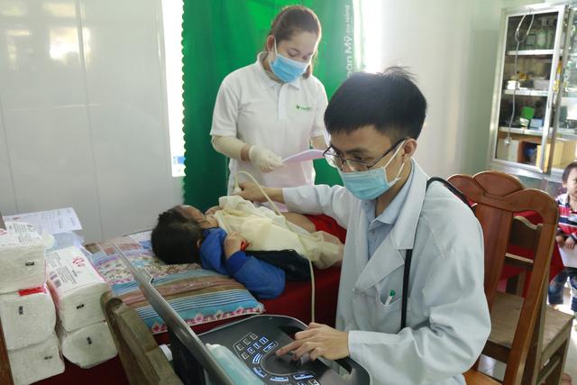 Gần 1.500 người ở huyện miền núi Nam Trà My được khám và phát thuốc miễn phí-1