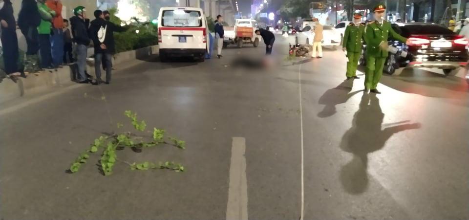 Vụ xe máy tông tử vong cụ bà khi qua đường ở Hà Nội: Thêm một nữ sinh tử vong, công an trích xuất camera điều tra-2