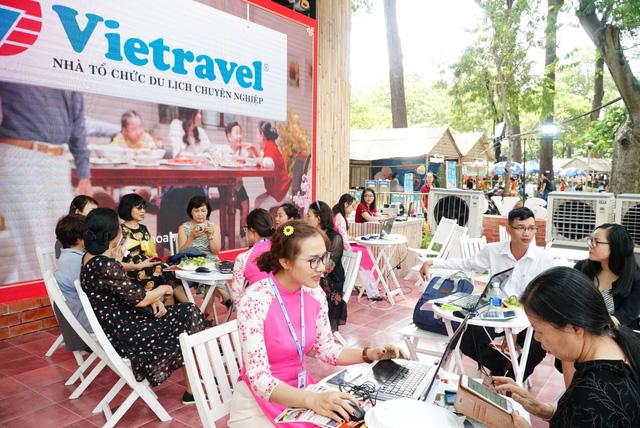 Ưu đãi thả ga tại gian hàng Vietravel trong lễ hội Tết Việt 2021-1