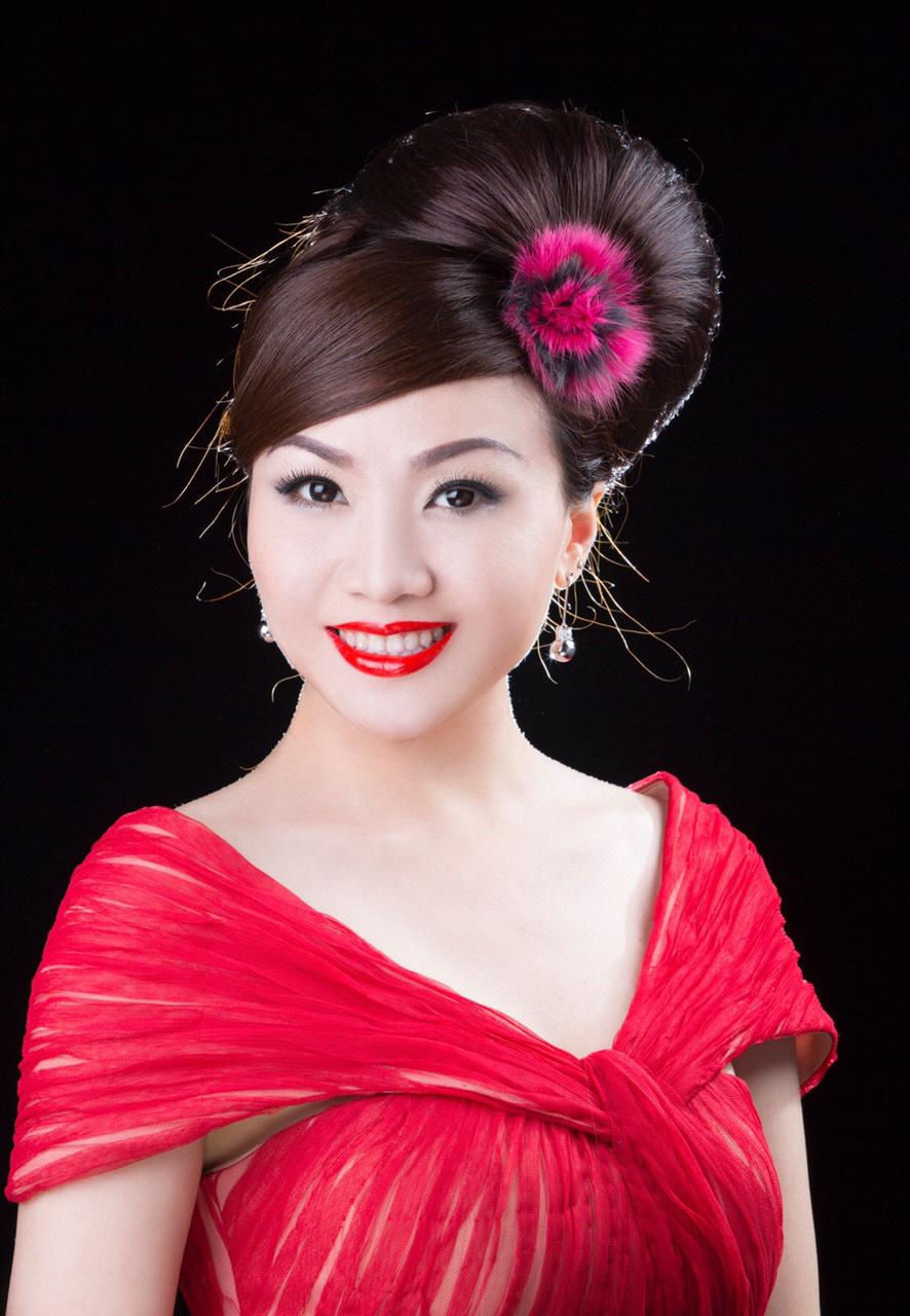 Nhan sắc thời trẻ và điều ít biết về Nữ hoàng nhạc sến miền Tây Hoàng Châu-4
