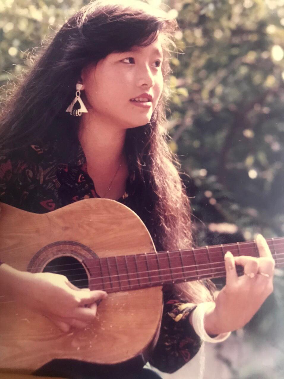 Nhan sắc thời trẻ và điều ít biết về Nữ hoàng nhạc sến miền Tây Hoàng Châu-6