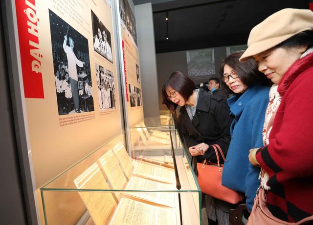 Khai mạc trưng bày Đảng Cộng sản Việt Nam - Từ Đại hội đến Đại hội-5