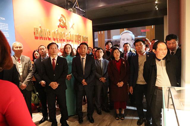 Khai mạc trưng bày Đảng Cộng sản Việt Nam - Từ Đại hội đến Đại hội-2