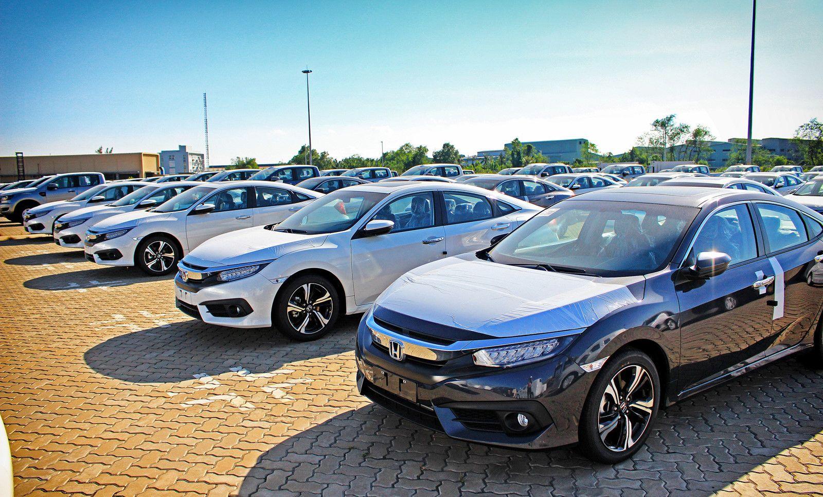 Giáp Tết, lượng ô tô nhập khẩu vào Việt Nam bất ngờ chững lại