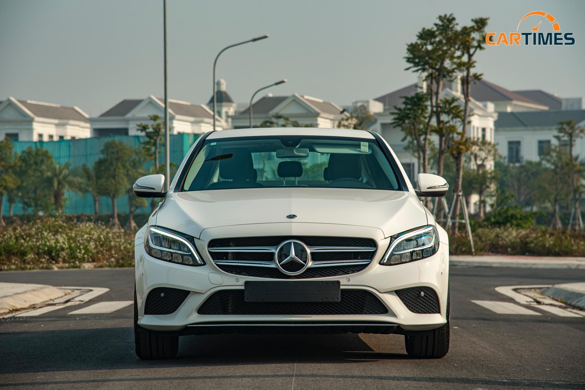 Còn mới tinh tươm, ODO chưa qua 50 km, Mercedes-Benz C 180 2020 đã được rao bán trên thị trường xe cũ -2