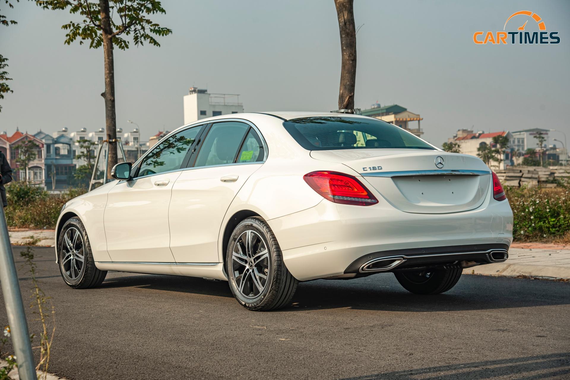 Còn mới tinh tươm, ODO chưa qua 50 km, Mercedes-Benz C 180 2020 đã được rao bán trên thị trường xe cũ -5
