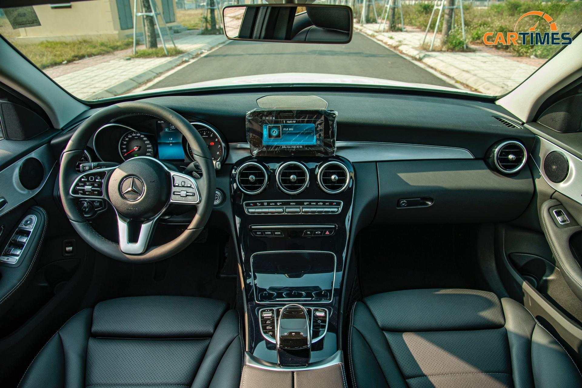 Còn mới tinh tươm, ODO chưa qua 50 km, Mercedes-Benz C 180 2020 đã được rao bán trên thị trường xe cũ -6
