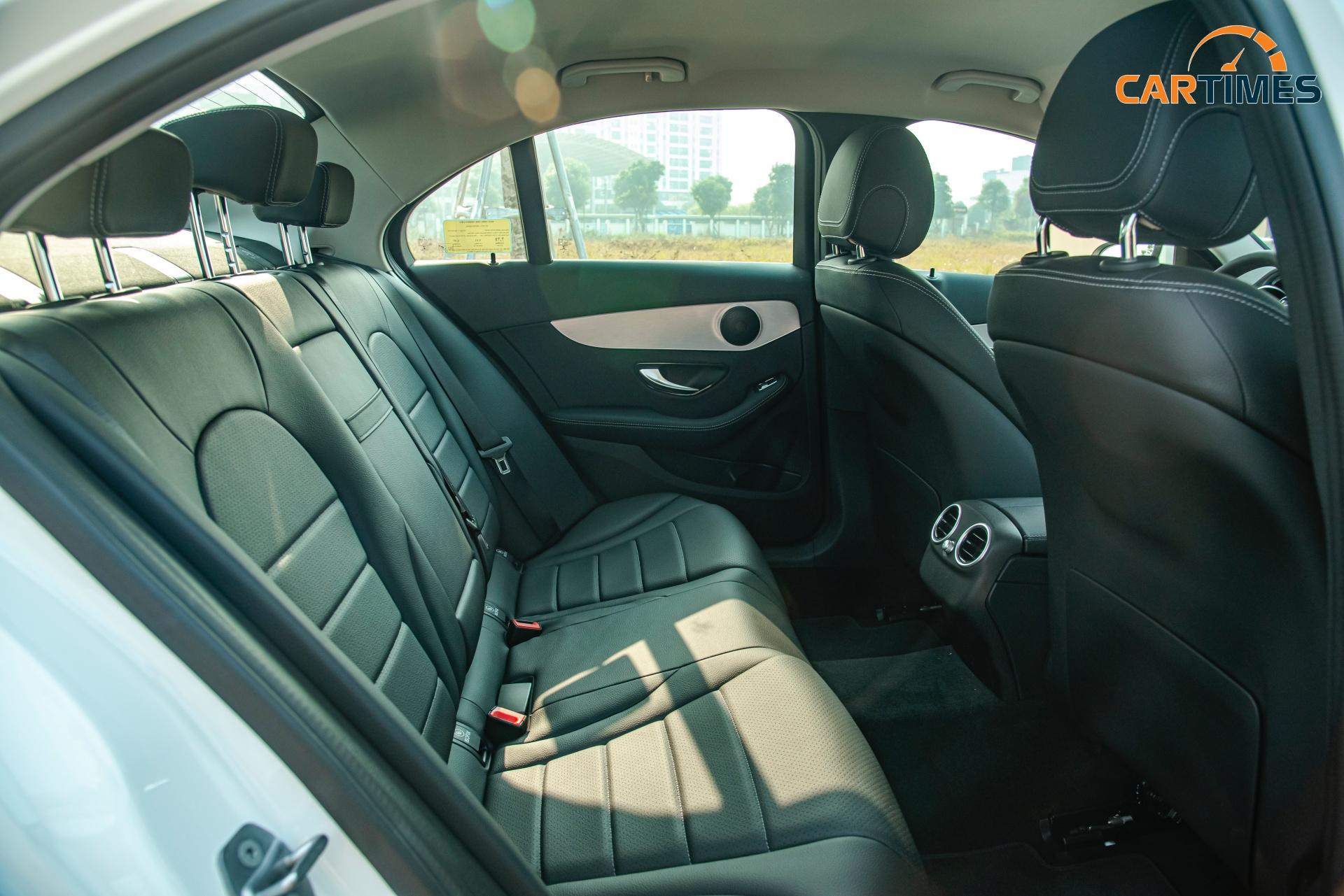 Còn mới tinh tươm, ODO chưa qua 50 km, Mercedes-Benz C 180 2020 đã được rao bán trên thị trường xe cũ -10