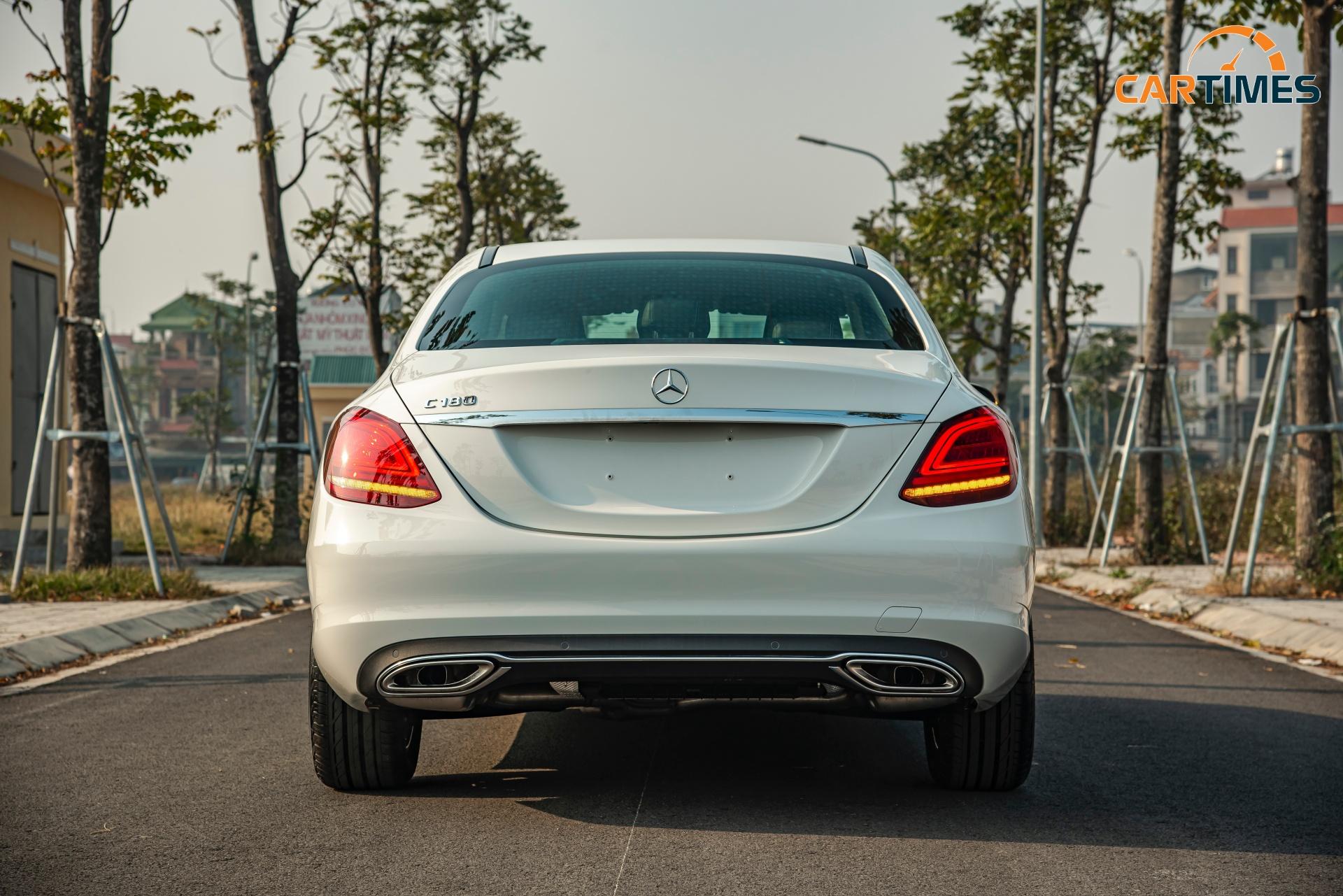 Còn mới tinh tươm, ODO chưa qua 50 km, Mercedes-Benz C 180 2020 đã được rao bán trên thị trường xe cũ -3