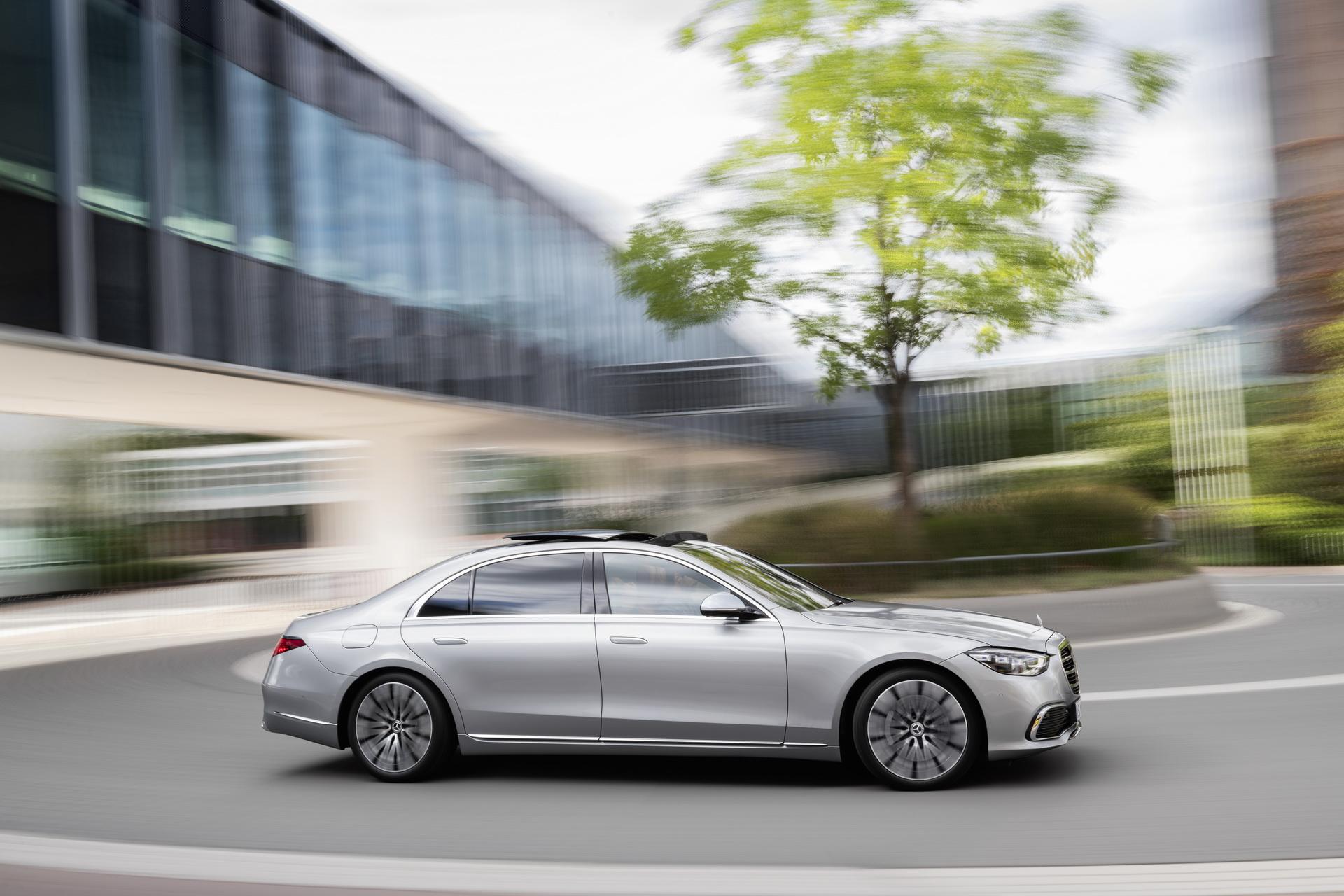Mercedes-Benz gửi lời xin lỗi tới khách hàng vì phải triệu hồi S-Class thế hệ mới -1