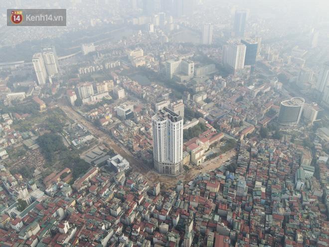 Công trình ngổn ngang tại con đường dài 1,3km treo gần 20 năm giữa Thủ đô khiến người dân khó chịu khi đi qua-1