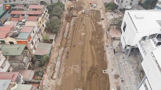 Công trình ngổn ngang tại con đường dài 1,3km treo gần 20 năm giữa Thủ đô khiến người dân khó chịu khi đi qua-5