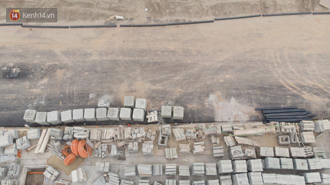 Công trình ngổn ngang tại con đường dài 1,3km treo gần 20 năm giữa Thủ đô khiến người dân khó chịu khi đi qua-6
