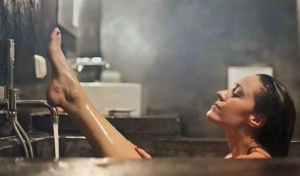 Không phân biệt nam hay nữ, khi tắm chú ý làm sạch 3 bộ phận trên cơ thể để loại bỏ độc tố và chất bẩn, cơ thể sẽ khỏe mạnh hơn-3